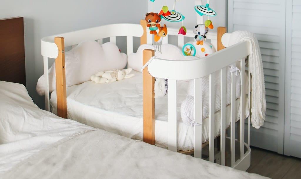 dostawka do łóżka rodziców