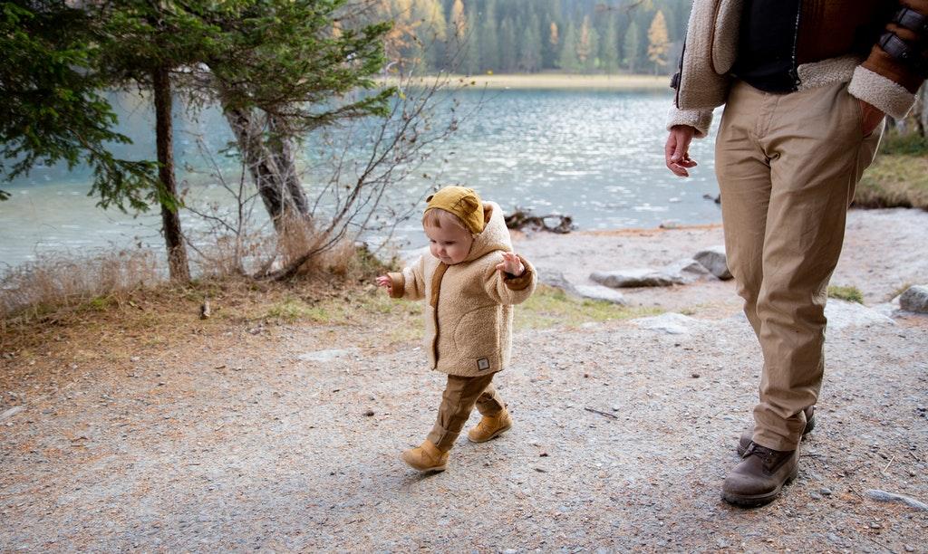 dziecko chodzące