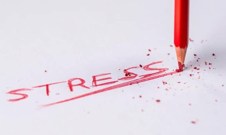 napis stres