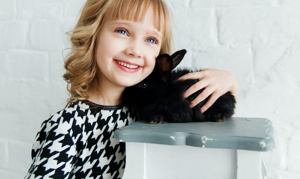 zwierzątko i dziecko