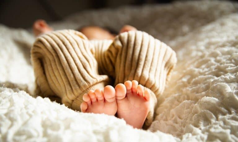 stopy niemowlaka