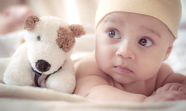 zdjęcie nowonarodzonego dziecka
